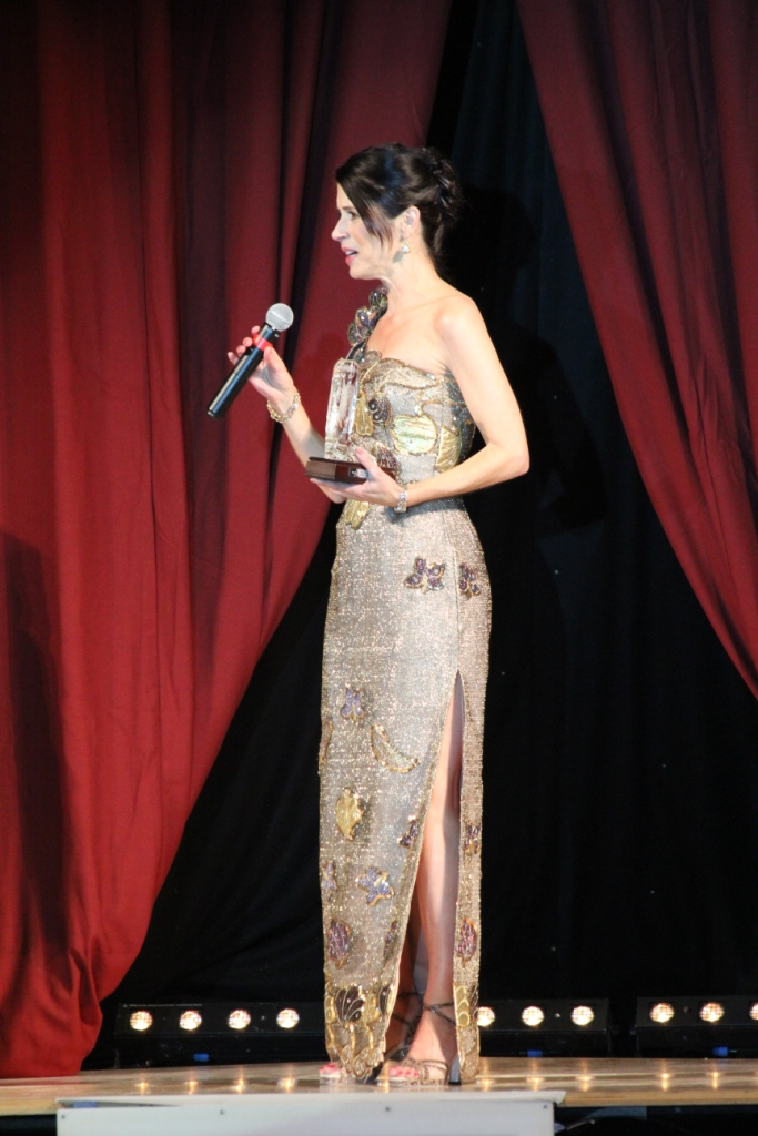 """Jo Thompson-Szymanski reçoit le titre très largement méritée de la """"Personnalité féminine de la danse 2015"""""""