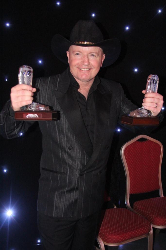 Rob Fowler, très surpris de recevoir 1 puis2, puis 3 Awards pour ces chorégraphies, car jusqu'à maintenant il n'avait pas eu de récompenses pour ses créations.