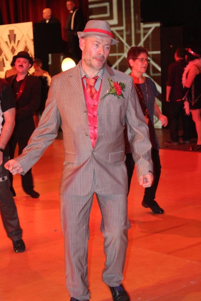 Nicolas, très beau costume !