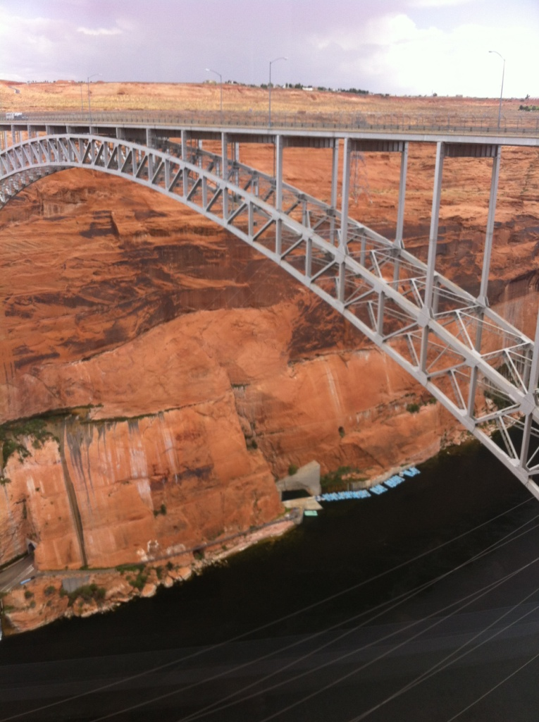 Lac Powell-Le barrage de Glen Canyon