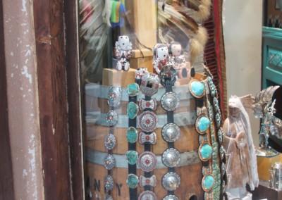 Ceinturons et concahs en argent et turquoises