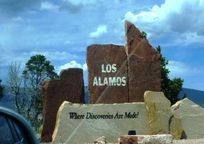 L'entrée de la ville de Los Alamos