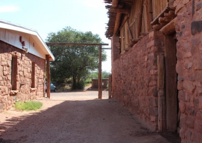 Hubbell Trading Post, l'extérieur
