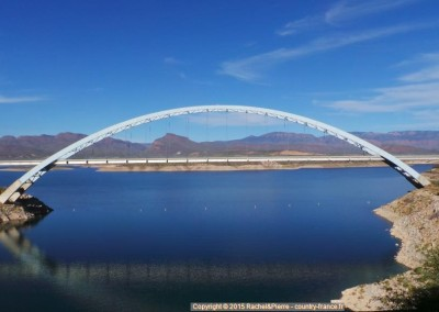 Le pont du lac Roosevelt