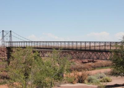 L'ancien pont a été conservé pour les piétons et un nouveau a été construit en 1995 pour les voitures.